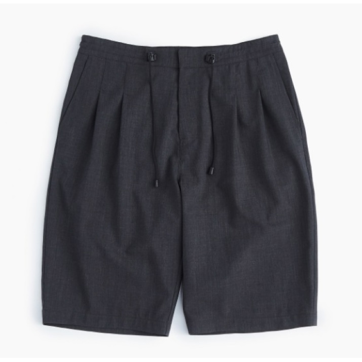 RELAXED TWO TUCK SHORTS / CHARCOAL