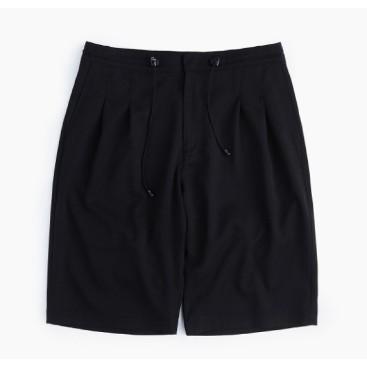 RELAXED TWO TUCK SHORTS / BLACK
