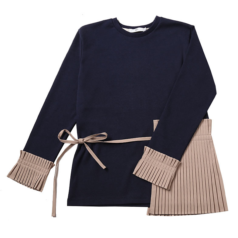 PLEATS DETAILED TOP (NAVY)